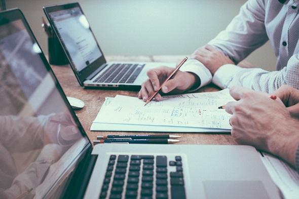Homepage-Vorlagen zum Thema Business für Ihre Website wählen